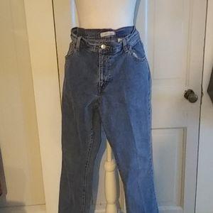 Women Levi jeans 12M relax boot cut 550